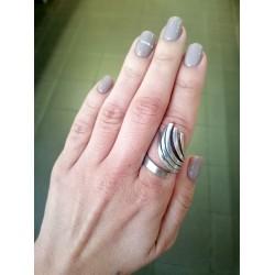 Δαχτυλίδι ασημί ανηφορικές βέργες